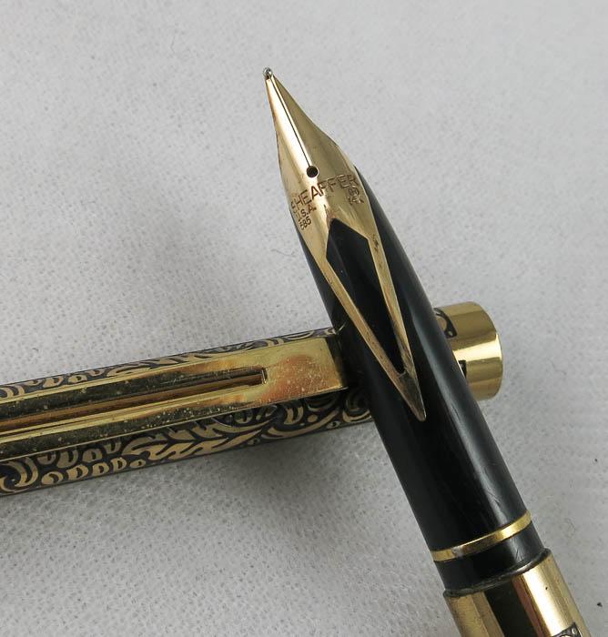 Sheaffer Slim Targa - gold plate and black lacquer - Pencil & Pen  (SOL 90)