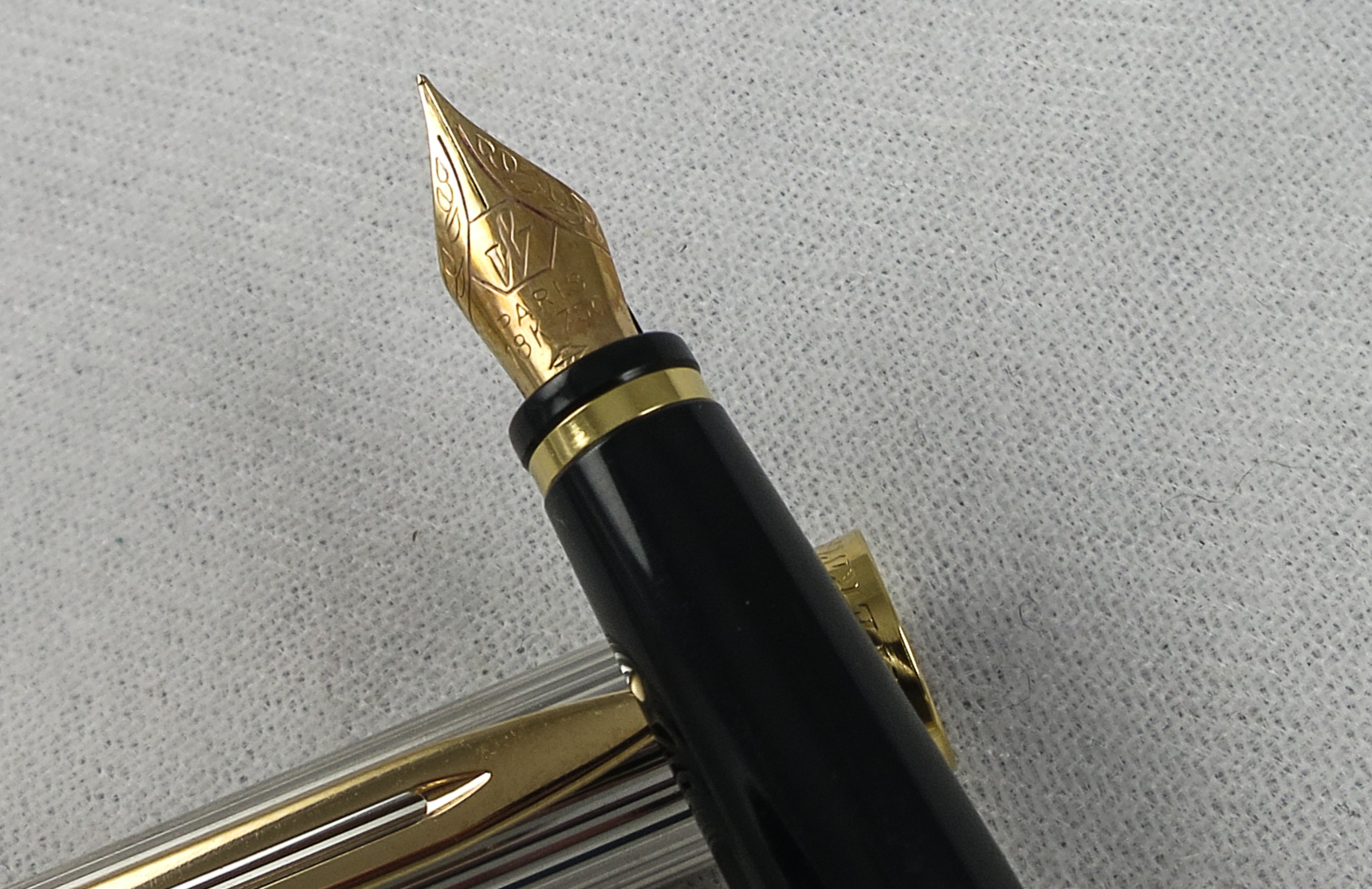 French Waterman Preface - Silver and Gold (Pen 2235)