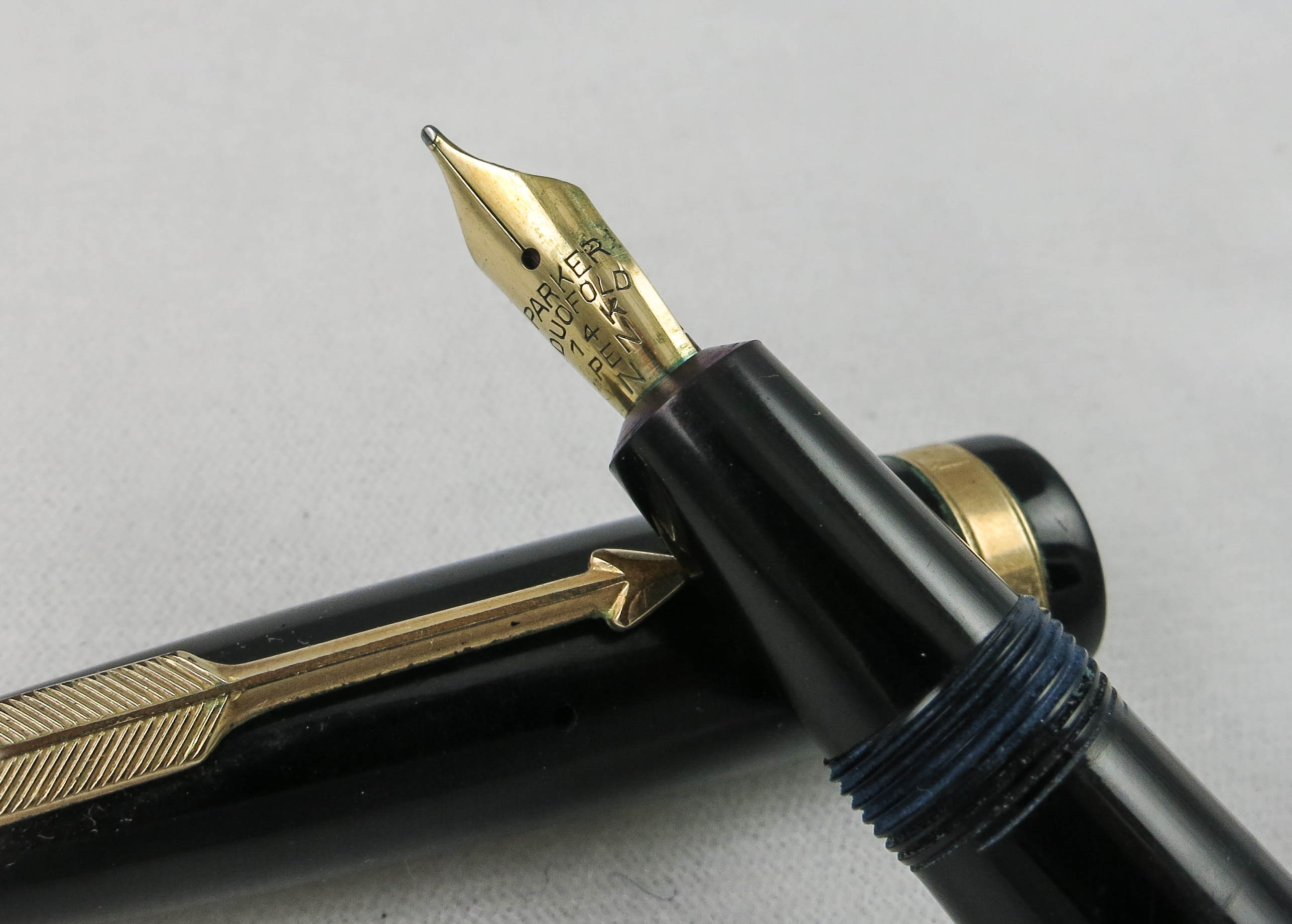 English Parker Duofold  (SB484) - PRICE REDUCED